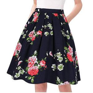 Dresses & Skirts - Flower vintage skirt